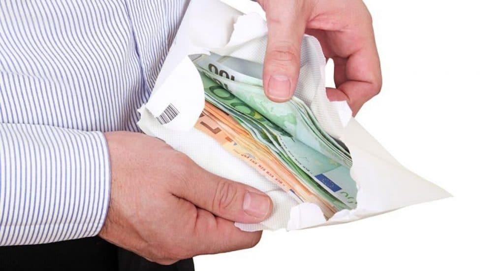 Geld lenen tijdens een recessie, waar moet je allemaal op letten als je dit wil organiseren? Een aantal tips op rij